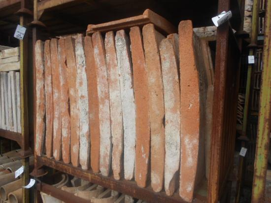 Recovery eaves Selected in terracotta and earthenware