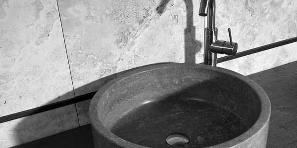 Bathroom atmosphere: Antique taps and handcrafted taps