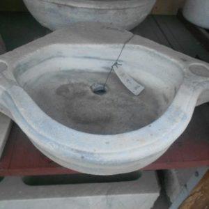Lavandino antico in Marmo ad Angolo