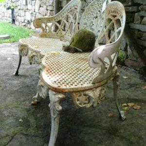 Panchine antiche in Ghisa bianche