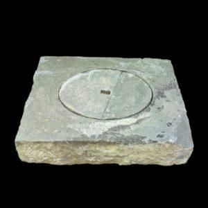 Lapidi in pietra serena di recupero