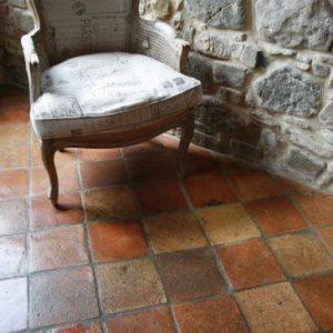 Cotto antico con pavimento a Quadroncini