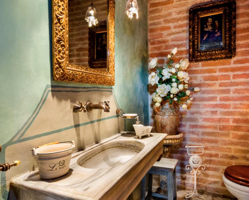 Consigli per arredare il bagno in stile antico