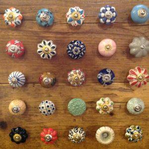 Pomelli in ceramica dipinti a mano