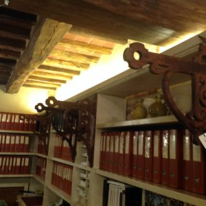 Mensole in legno per mantovana