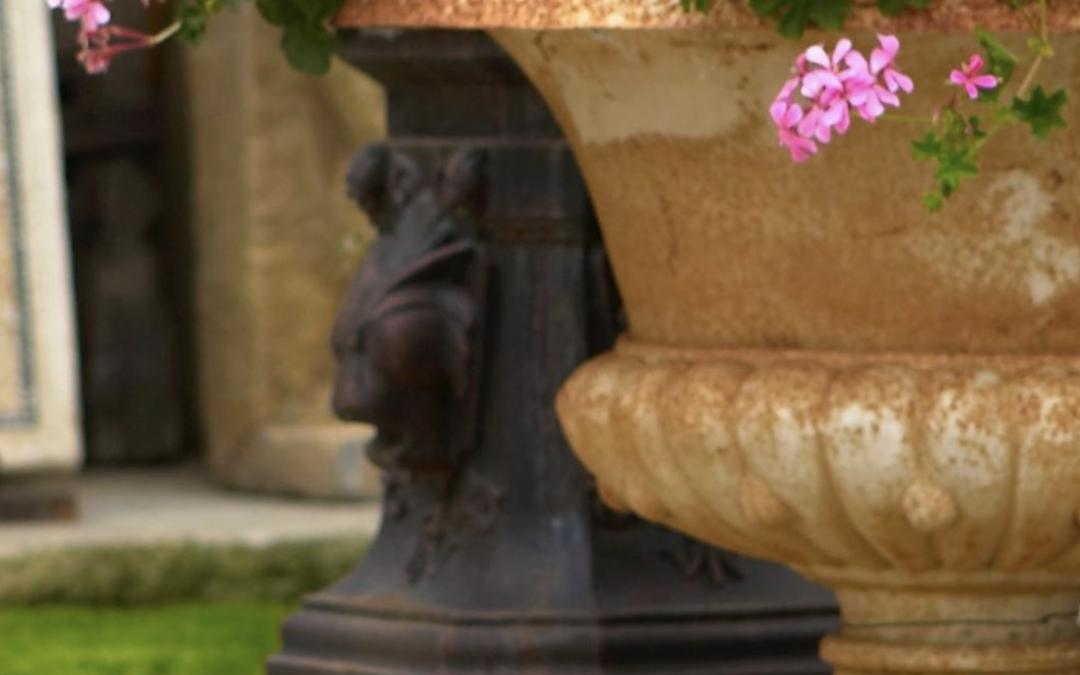 Vasi in terracotta: idee e consigli per decorare la tua casa.