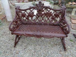 Antique sofas: passion and taste